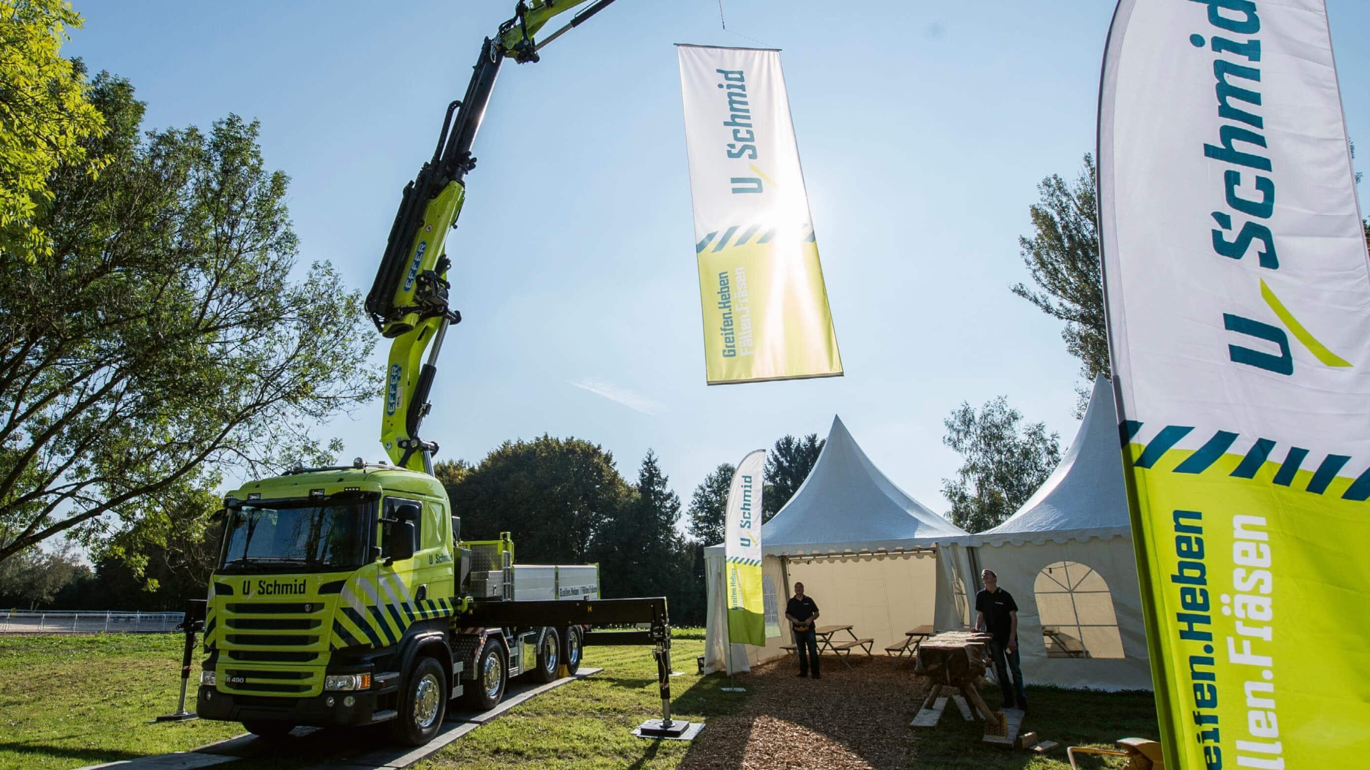 Uschmid AG Lastwagen Beschriftung Fahnen